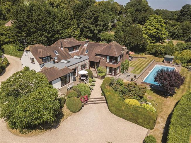 Guide Price £1,500,000, 5 Bedroom Detached House For Sale in Hampshire, SO32