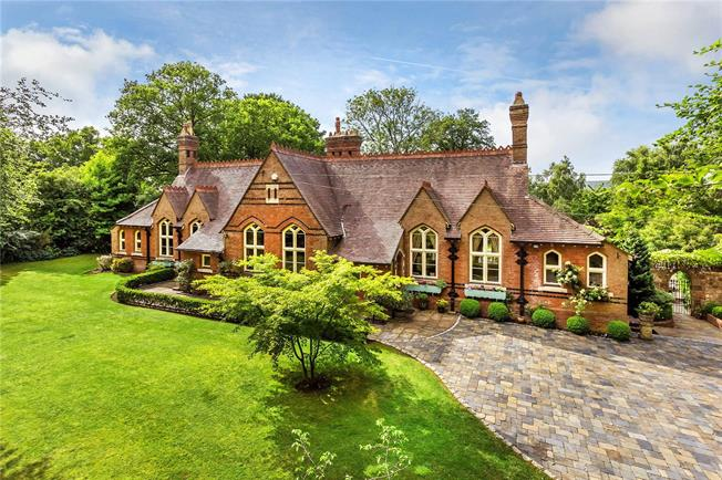 Guide Price £2,295,000, 5 Bedroom Detached House For Sale in Surrey, RH8