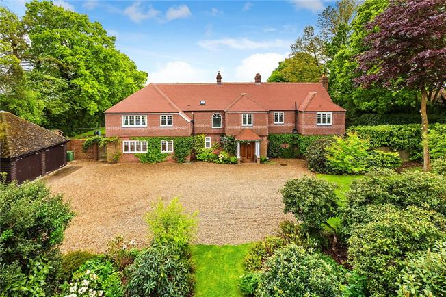 Guide Price £1,295,000, 6 Bedroom Detached House For Sale in Cranbrook, Kent, TN18