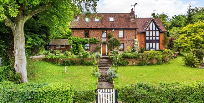 Guide Price £1,440,000, 5 Bedroom Detached House For Sale in Brasted, TN16