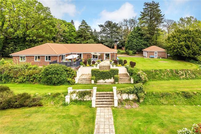 Asking Price £1,500,000, 5 Bedroom Bungalow For Sale in Tunbridge Wells, Kent, TN3