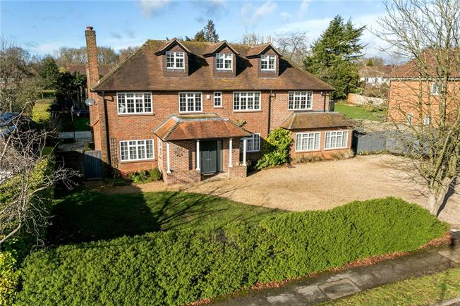 Guide Price £2,000,000, 6 Bedroom Detached House For Sale in Beaconsfield, HP9