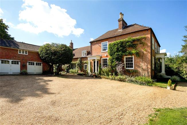 Guide Price £1,750,000, 5 Bedroom Detached House For Sale in Slinfold, RH13
