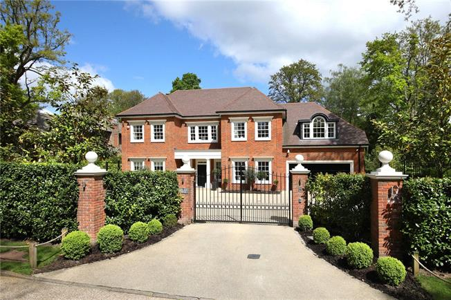 Guide Price £3,500,000, 5 Bedroom Detached House For Sale in Berkshire, SL5