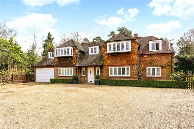Guide Price £2,000,000, 6 Bedroom Detached House For Sale in Berkshire, SL5
