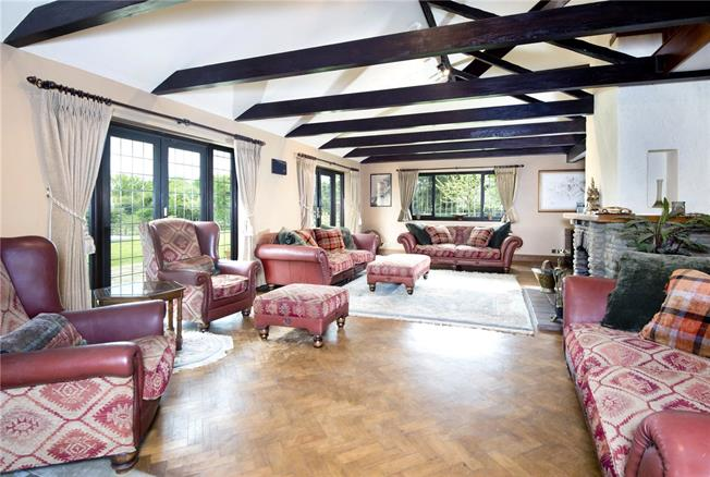 Guide Price £1,650,000, 5 Bedroom Detached House For Sale in Kent, TN16