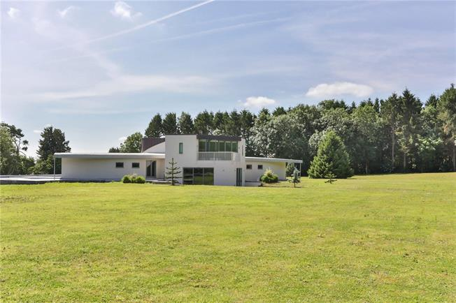 Asking Price £3,300,000, 5 Bedroom Detached House For Sale in Cheltenham, Gloucestershi, GL54