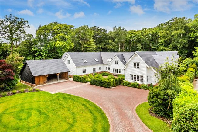 Asking Price £1,950,000, 5 Bedroom Detached House For Sale in East Sussex, TN19
