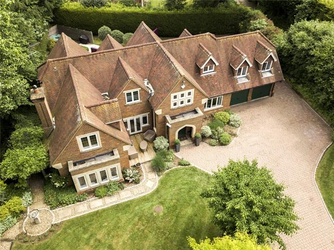 Guide Price £2,500,000, 5 Bedroom Detached House For Sale in Maidenhead, Berkshire, SL6