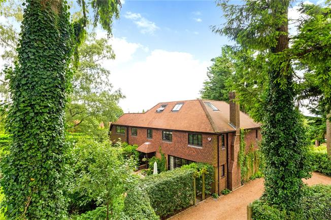 Asking Price £1,900,000, 5 Bedroom Detached House For Sale in Haslemere, GU27