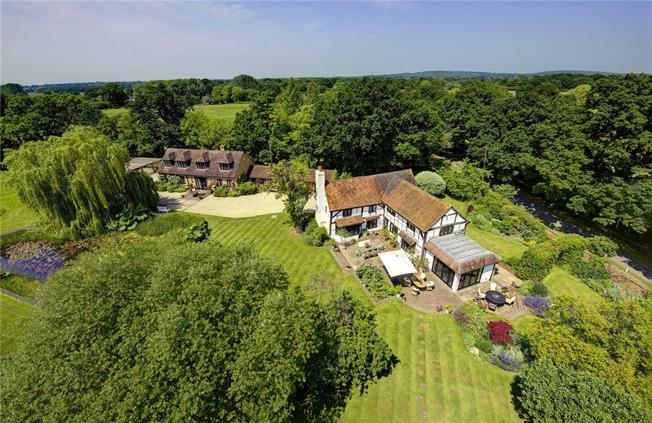 Guide Price £2,500,000, 5 Bedroom Detached House For Sale in Waltham St. Lawrence, RG10