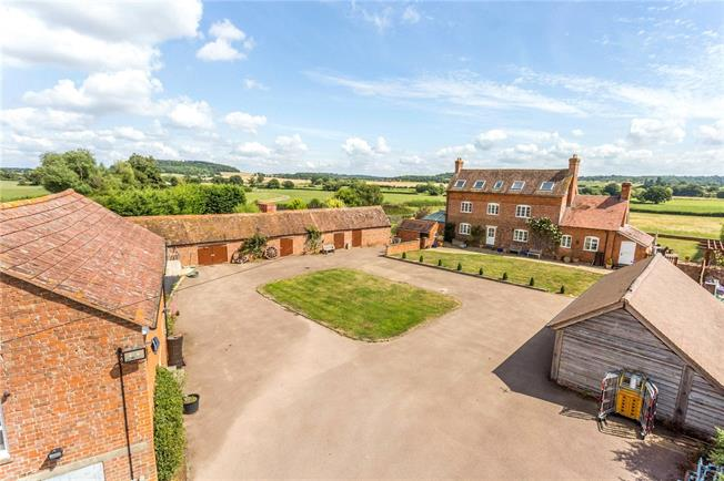 Guide Price £1,250,000, 6 Bedroom Detached House For Sale in Highleadon, GL18