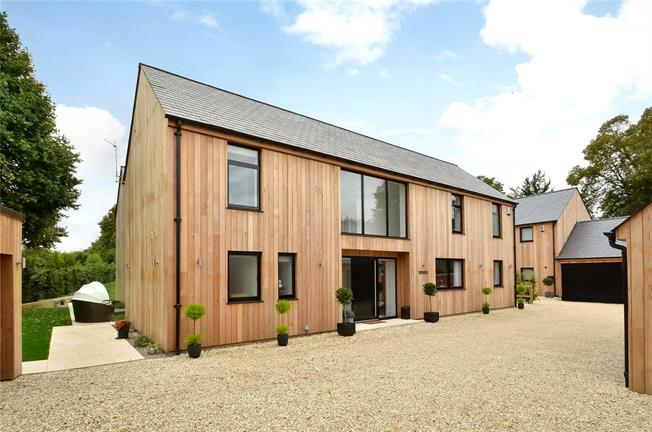 Guide Price £1,250,000, 6 Bedroom Detached House For Sale in Hampshire, SO20