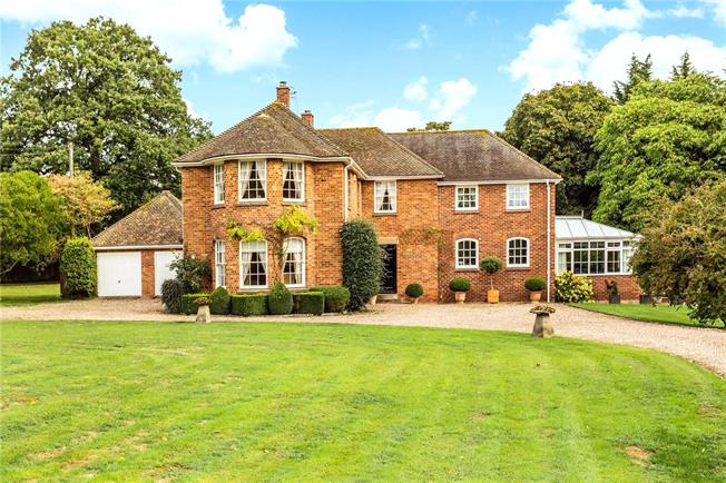 Guide Price £1,195,000, 5 Bedroom Detached House For Sale in Ripple, GL20
