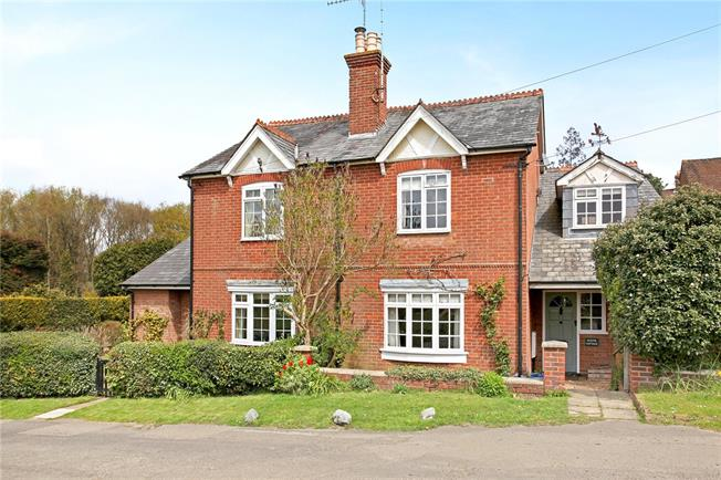 Guide Price £600,000, 3 Bedroom Semi Detached House For Sale in Guildford, Surrey, GU5