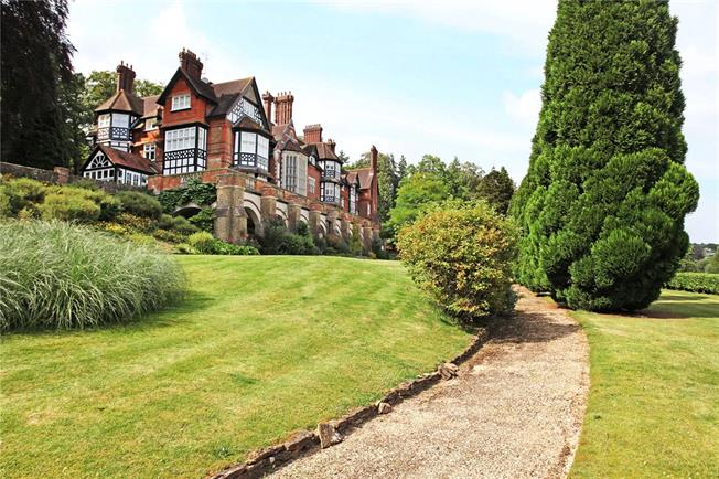 Asking Price £1,100,000, 4 Bedroom Flat For Sale in Bramley, Guildford, GU5