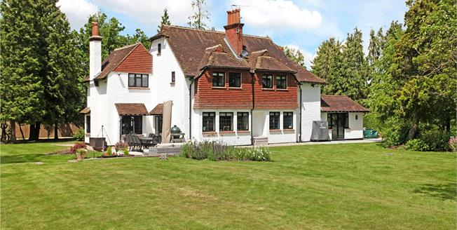 Guide Price £1,100,000, 5 Bedroom Detached House For Sale in Normandy, GU3