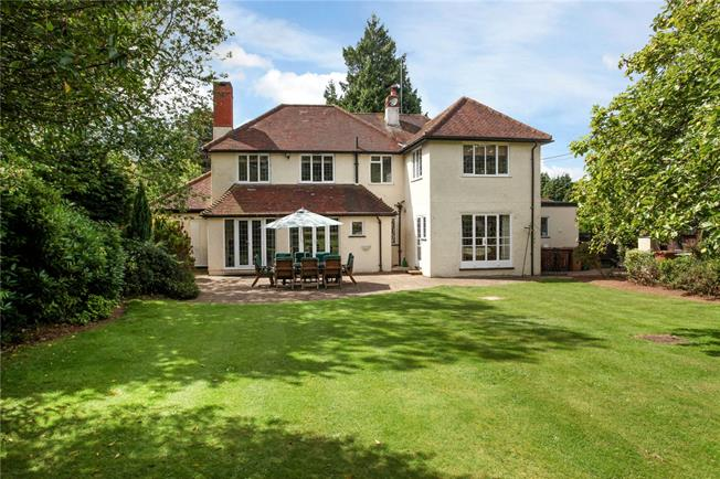 Asking Price £1,250,000, 5 Bedroom Detached House For Sale in Guildford, Surrey, GU5
