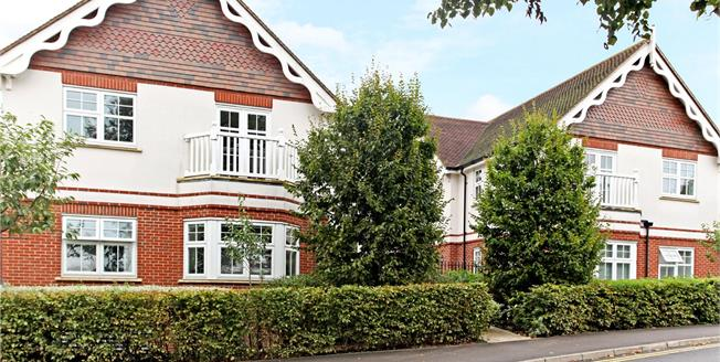 Guide Price £595,000, 2 Bedroom Flat For Sale in Guildford, Surrey, GU1
