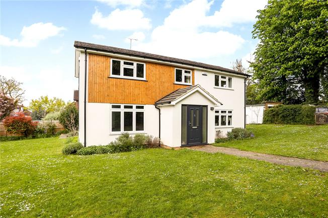 Asking Price £1,175,000, 4 Bedroom Detached House For Sale in Guildford, GU1