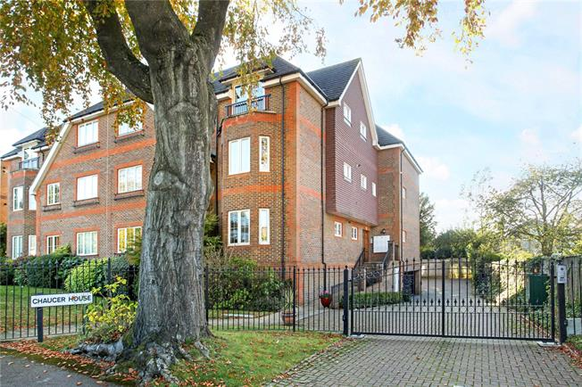 Asking Price £545,000, 2 Bedroom Flat For Sale in Guildford, GU1