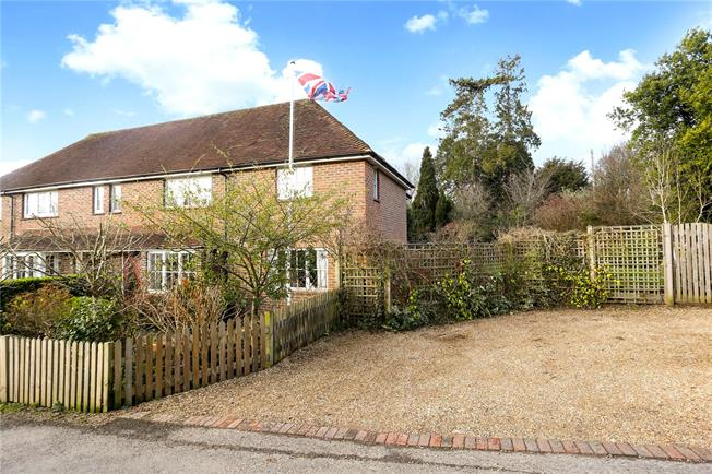 Guide Price £550,000, 4 Bedroom Semi Detached House For Sale in Cranleigh, Surrey, GU6