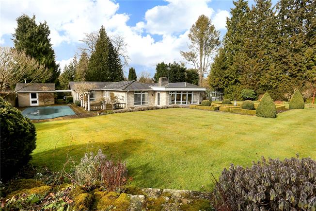 Guide Price £1,195,000, 4 Bedroom Bungalow For Sale in Guildford, Surrey, GU5