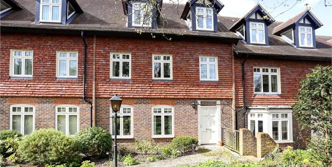 Guide Price £665,000, 3 Bedroom Terraced House For Sale in Guildford, Surrey, GU5