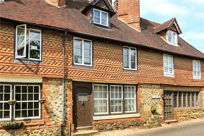 Guide Price £325,000, 1 Bedroom Flat For Sale in Albury, GU5
