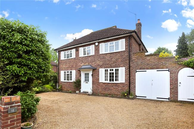 Guide Price £875,000, 3 Bedroom Detached House For Sale in Shalford, GU4
