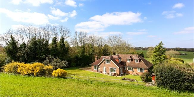 Guide Price £1,200,000, 5 Bedroom Detached House For Sale in Gomshall, GU5