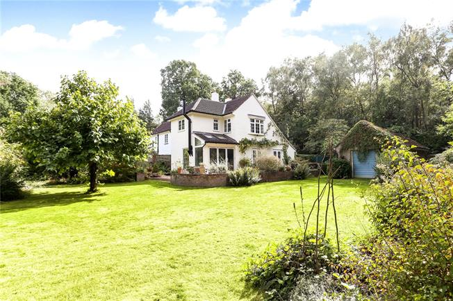 Guide Price £715,000, 3 Bedroom Semi Detached House For Sale in Normandy, GU3