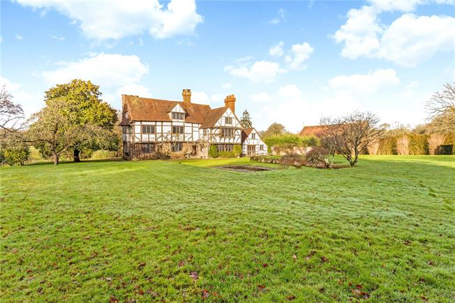 Asking Price £2,250,000, 7 Bedroom Detached House For Sale in Cranleigh, Surrey, GU6