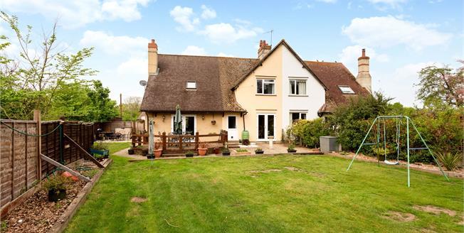 Guide Price £750,000, 3 Bedroom Semi Detached House For Sale in Bramley, GU5