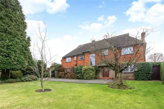 Guide Price £1,600,000, 5 Bedroom Detached House For Sale in Guildford, GU4