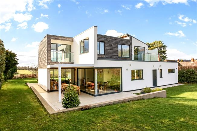Guide Price £1,450,000, 4 Bedroom Detached House For Sale in Guildford, Surrey, GU5