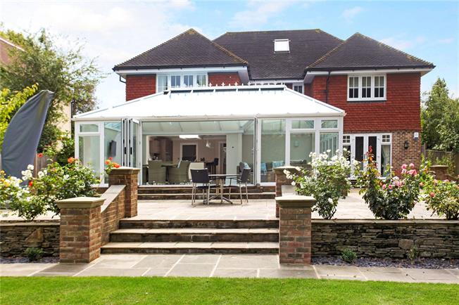 Guide Price £1,750,000, 6 Bedroom Detached House For Sale in Cranleigh, GU6