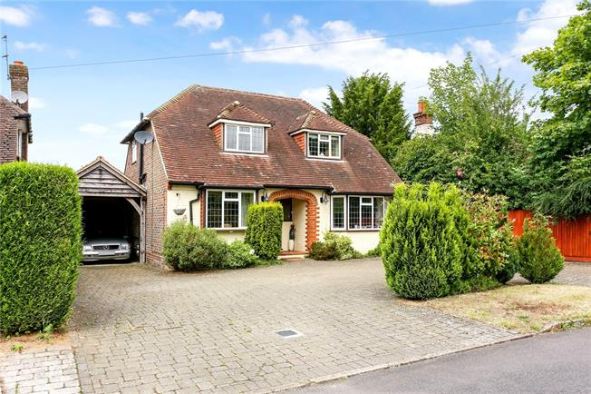 Guide Price £799,950, 3 Bedroom Detached House For Sale in Chilworth, GU4