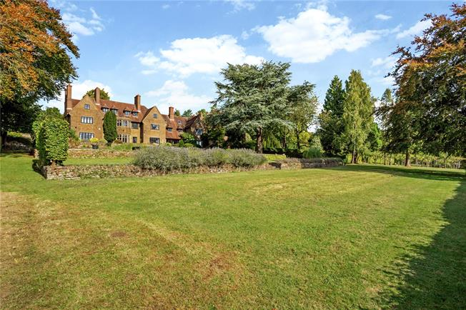 Guide Price £1,350,000, 5 Bedroom Town House For Sale in Guildford, Surrey, GU3