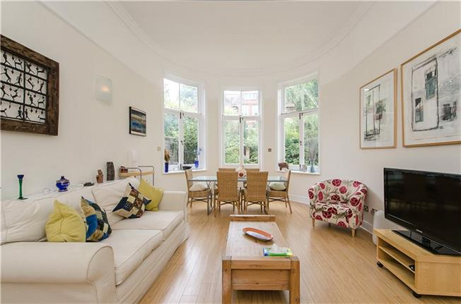 Guide Price £1,500,000, 2 Bedroom Flat For Sale in London, NW3