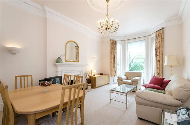 Asking Price £799,950, 2 Bedroom Flat For Sale in London, NW3