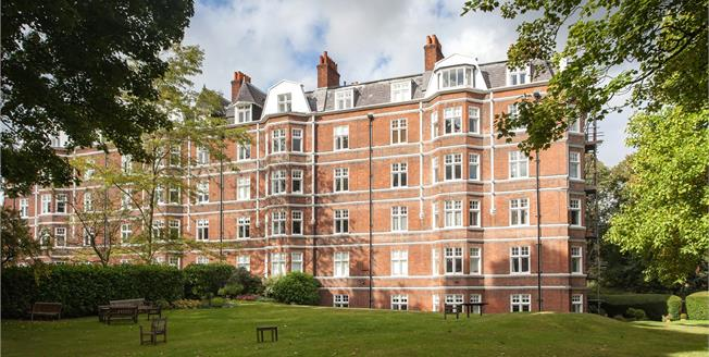 Asking Price £1,750,000, 4 Bedroom Flat For Sale in London, NW3