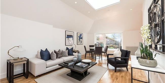 Asking Price £850,000, 2 Bedroom Flat For Sale in London, NW3