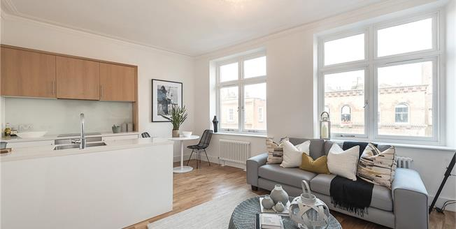 Asking Price £965,000, 2 Bedroom Flat For Sale in London, NW3