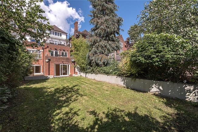 Asking Price £1,250,000, 3 Bedroom Flat For Sale in London, NW3