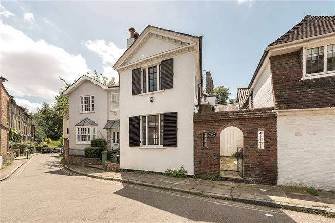 Asking Price £1,250,000, 3 Bedroom Terraced House For Sale in London, NW3