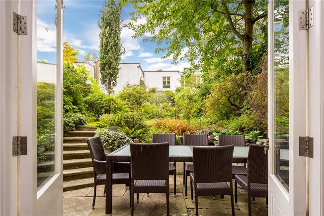 Offers in excess of £2,000,000, 3 Bedroom Flat For Sale in London, NW3