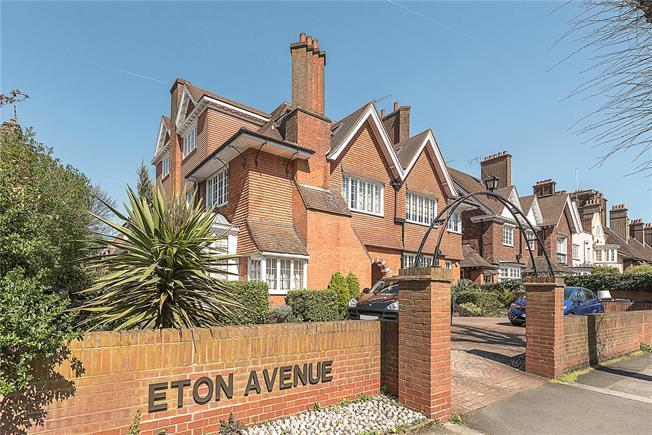 Asking Price £1,000,000, 2 Bedroom Flat For Sale in London, NW3
