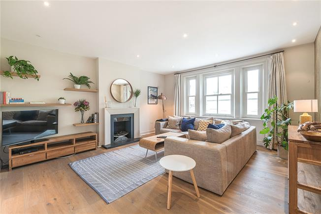 Asking Price £1,695,000, 3 Bedroom Flat For Sale in London, NW3