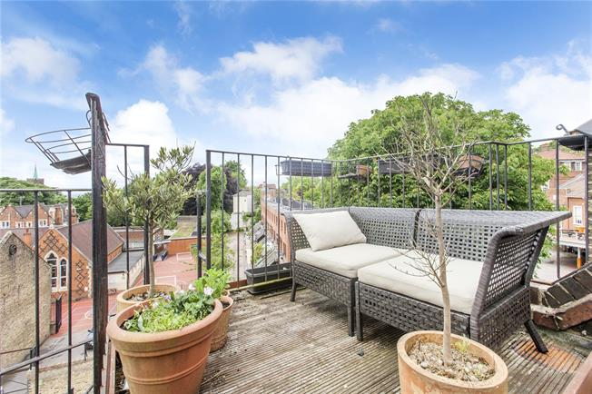 Asking Price £1,195,000, 2 Bedroom Flat For Sale in London, NW3